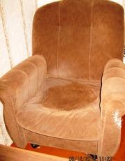 срочно продам мягкую мебель :диван +2 кресла